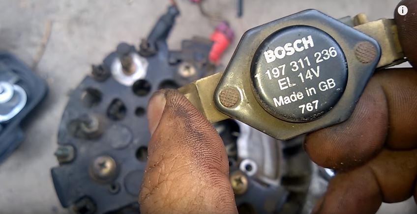 Как заменить ремень и щетки генератора на Ауди А6