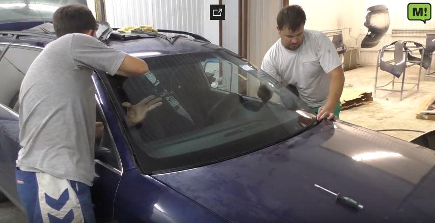 Как заменить лобовое стекло на Ауди А6 C5