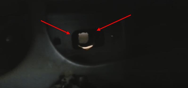 Замена лампы подсветки номерного знака на Honda CR-V своими руками