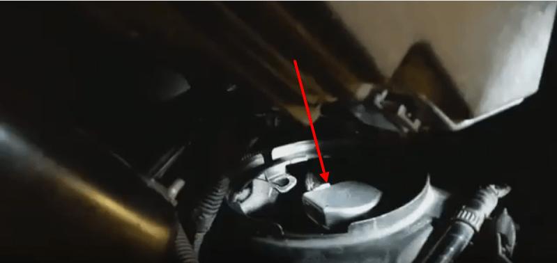 Замена лампочек дальнего и ближнего света на Honda CR-V своими руками.