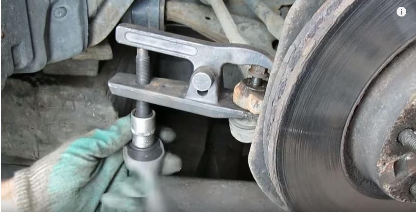 Как заменить передний ступичный подшипник на Mazda 3