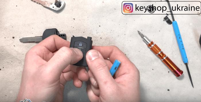 Неисправности и замена батарейки на чип ключе Mazda 3