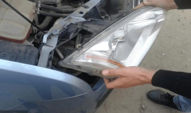 Как заменить лампы ближнего и дальнего света на Ford Focus самостоятельно
