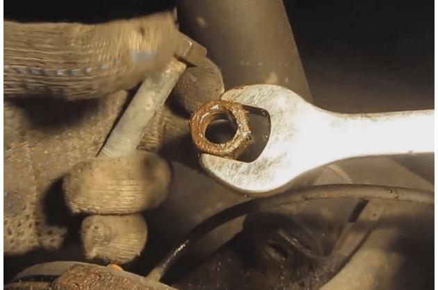 Как поменять задние стойки на Ваз 2110 – пошаговая инструкция