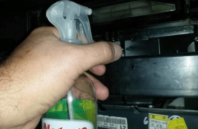Как заменить салонный фильтр на Nissan Almera Classic своими руками