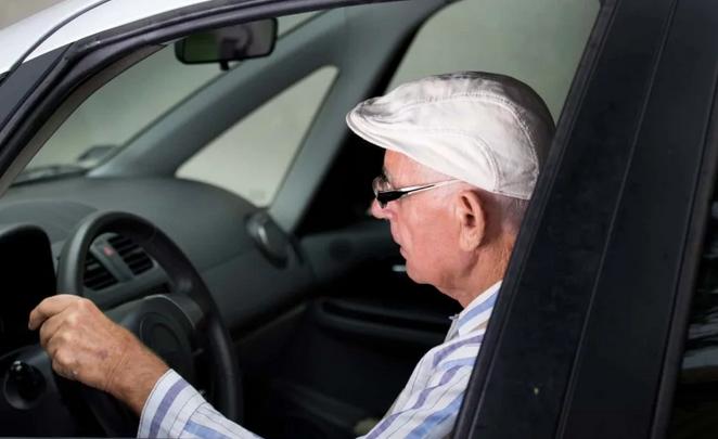 Пенсионеры не во всех регионах страны имеют право на получении льгот на транспортный налог