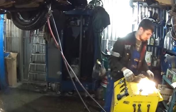 Подключение аппарата для полной замены масла в АКПП