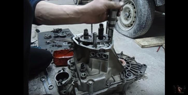 Процесс сборки коробки передач ВАЗ 2110