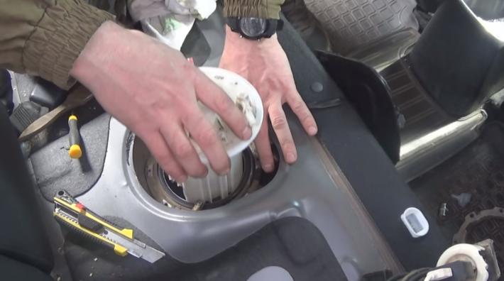 Топливный фильтр на Киа Рио: технический регламент замены, снятие и установка своими руками