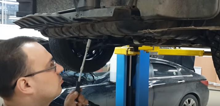 Коробка передач Kia Rio: замена масла на Рио в МКПП