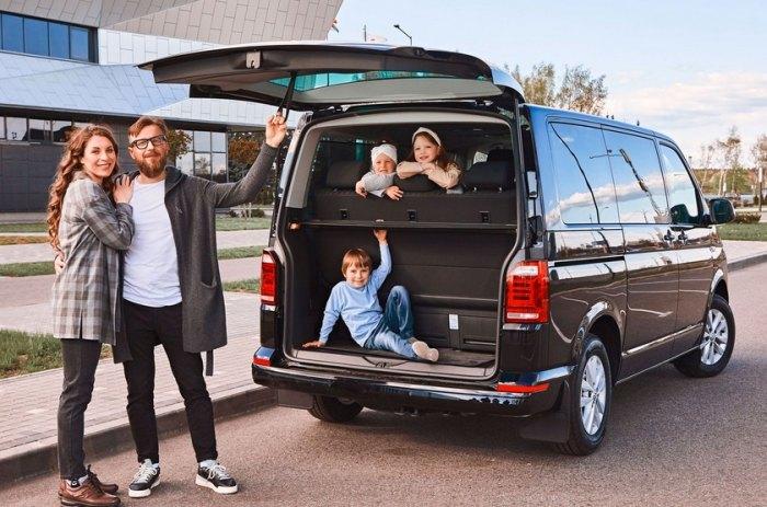 машина для путешествий семьей со спальным местом